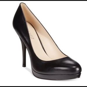 "Nine West Women""s  7 Black Leather Platform Pump"